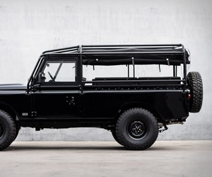 1983 Blacked-Out Defender