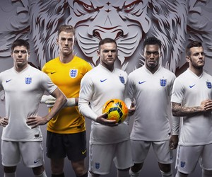England unveils new Football kits for 2014