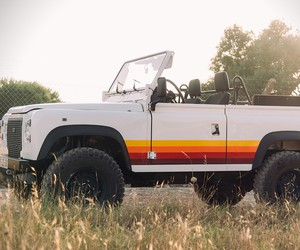 Land Rover Defender Retro