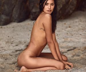 Beachin' with Model Marylin Saldaña in Lima