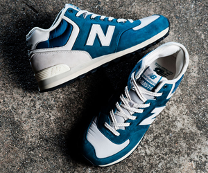 The Past HM574 – New Balance x Streething