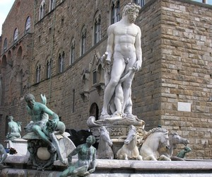 SALVATORE FERRAGAMO TO RESTORE FOUNTAIN OF NEPTUNE