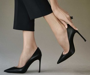 DIORESSENCE IS THE NEW DIOR PUMP