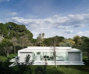Guest Pavilion by Fran Silvestre, Valencia