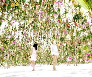 """FLOATING FLOWER GARDEN"" IN TOKYO BY TEAMLAB"