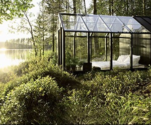 10 Incredible Glass Houses for Unparalleled Views