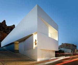 HOUSE ON THE CASTLE MOUNTAINSIDE BY FRAN SILVESTRE
