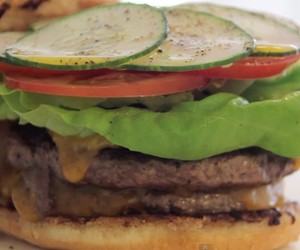 How to make the perfect cheeseburger.