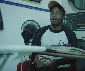 "Isaiah Rashad – ""Free Lunch"" (Video)"