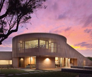 Sculptural House Wrapped In Cedar