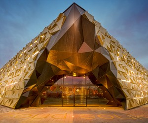 Gold Souk by Liong Lie Architects at Beverwijk
