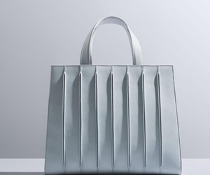 THE MAX MARA WHITNEY BAG BY RENZO PIANO