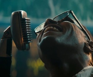 """Maxwell – """"Lake By The Ocean"""" (Video)"""
