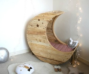 Moon Cradle From Shipping Pallets