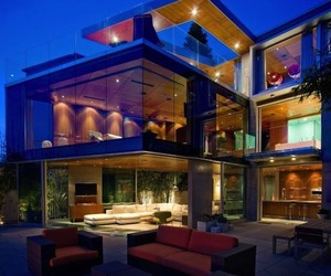 Oceanfront Glass Residence in La Jolla, California