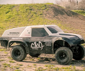 Mammuth Rewarron R/C Car