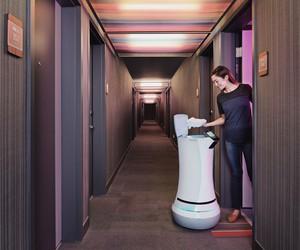 SaviOne Delivery Robot by Savioke