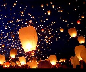 11000 FLOATING LANTERNS