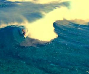 Fiji Vignette Surfing