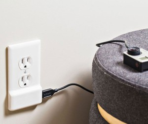 SnapPower Charger Adapts All Power Outlets To USB