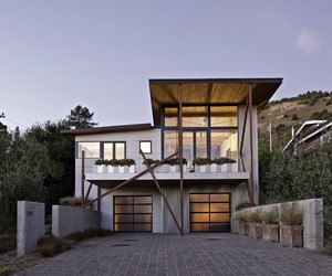 Stinson Beach House by WA Design