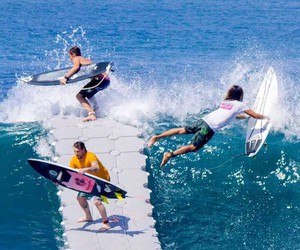 """Surfing with """"The Dock"""" in Bali"""