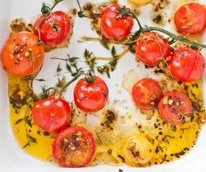 Roasted Tomato and Garlic Crouton Spaghetti