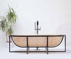 Braided bathtub after the model of a basket boat