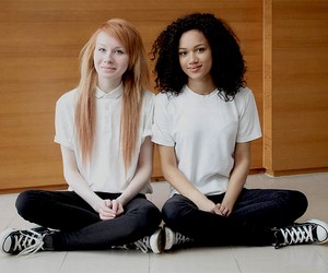 Meet Non-Identical Twins Lucy + Maria