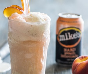 mike's HARD Peach Lemonade Float Recipe