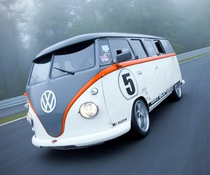 Volkswagen Race Microbus