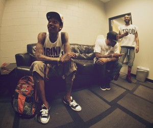 Wiz Khalifa - Its Nothin' (feat. 2 Chainz)