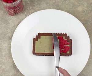 BrickBrosProductions makes a breakfast of Lego