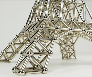 Miniature Eifeltower with magnets