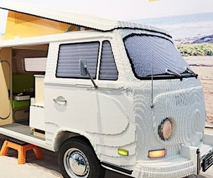 VW bus made of 400,000 Lego bricks