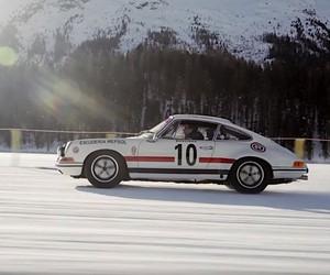 Stefan Bogner hangs skiers on cars from Porsche