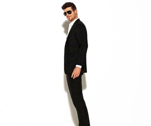 Robin Thicke - Give It To You (feat. 2 Chainz)