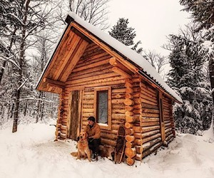 Shawn James builds a wooden cabin in Canada
