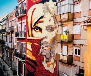 Shepard Fairey and Vhils create a common mural