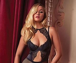 Simone Holtznagel - Sexy Girl