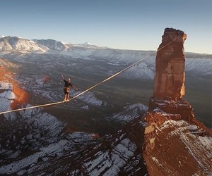 ACROSS THE SKY - Slackline World Record