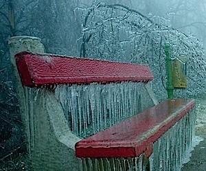 Photography: Apocalyptic ice mantle over Budapest