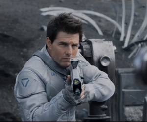 Tom Cruise's Oblivion Trailer