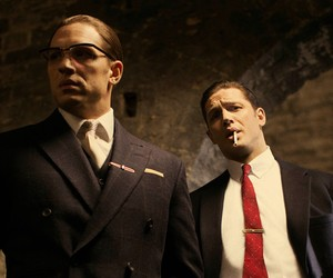 Tom Hardy Plays Twins in 'Legend' Trailer
