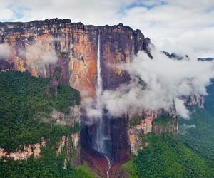 "Interactive 360° Aerial Panorama of ""Angel Falls"""
